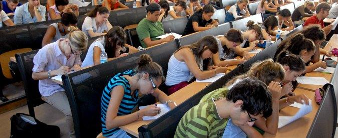 Milano, 2 settembre 2009; Università Statale - via Celoria; Test di ammissione alla facoltà di Medicina e Chirurgia; foto di © Angela Quattrone / Emble