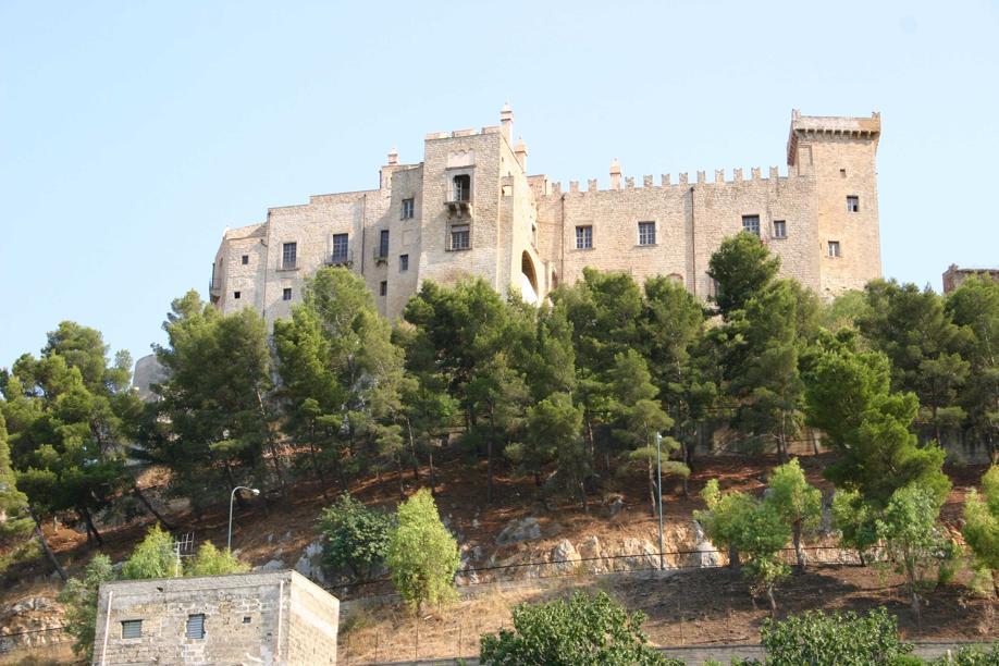 Carini castello
